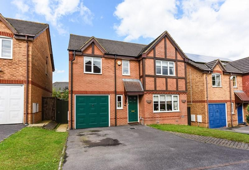 4 Bedrooms Detached House for sale in Cole Close, Andover