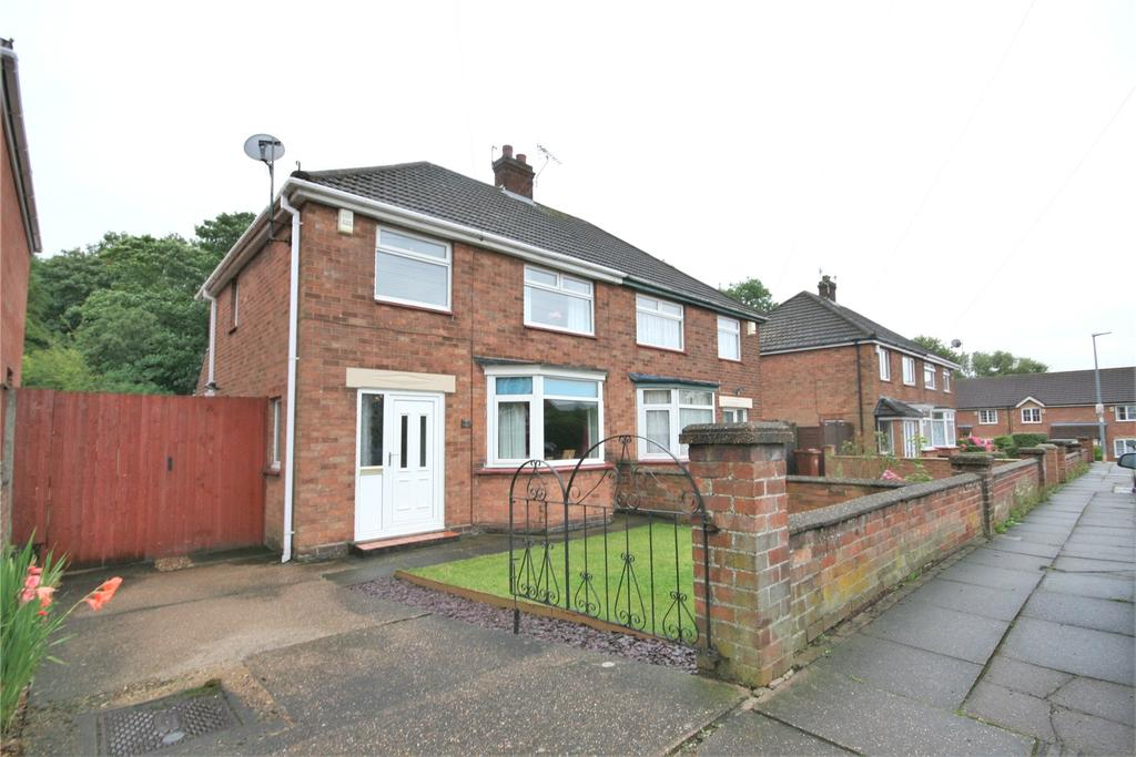 3 Bedrooms Semi Detached House for sale in Limber Vale, Grimsby, DN34
