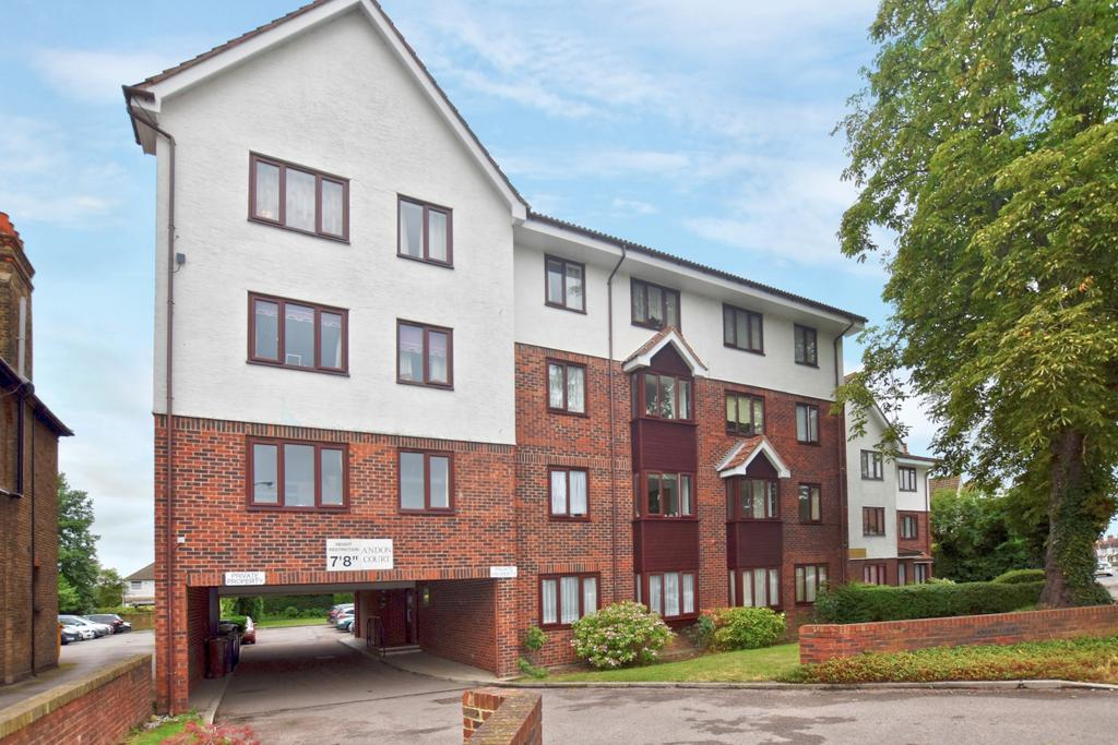Studio Flat for sale in Croydon Road Beckenham BR3