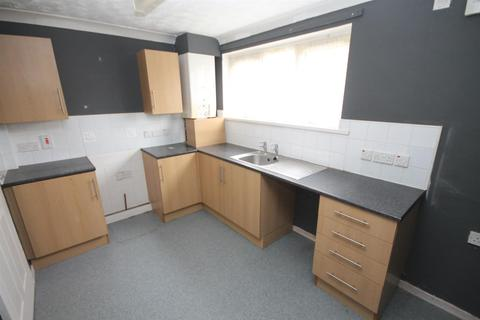 2 bedroom apartment for sale - Brackendale Court, Wingate