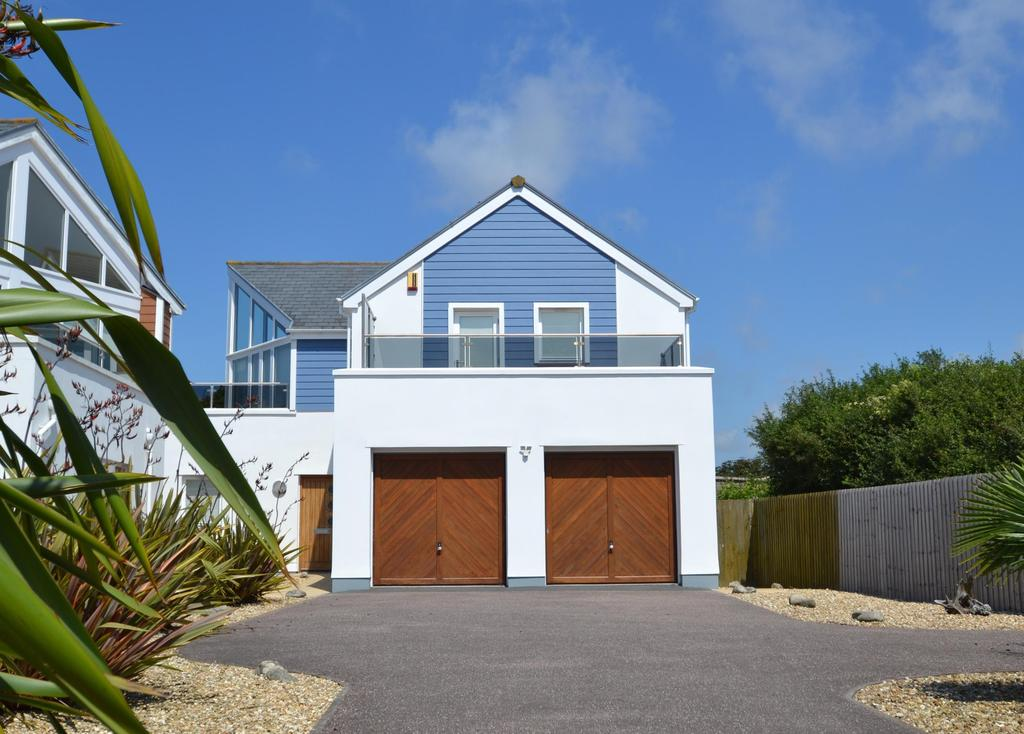 5 Bedrooms Detached House for sale in The Dunes, Lane End Road
