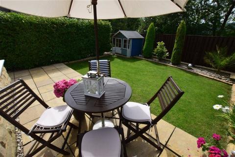 3 bedroom townhouse for sale - Elder Mews, Shelley, Huddersfield, HD8
