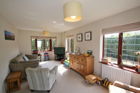 4 bedroom semi-detached house for sale - St. Leonards Road, Deal