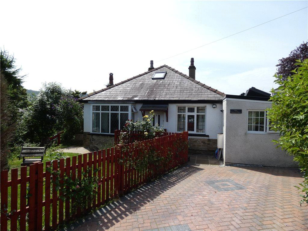 3 Bedrooms Detached Bungalow for sale in Oakfield Drive, Baildon, West Yorkshire