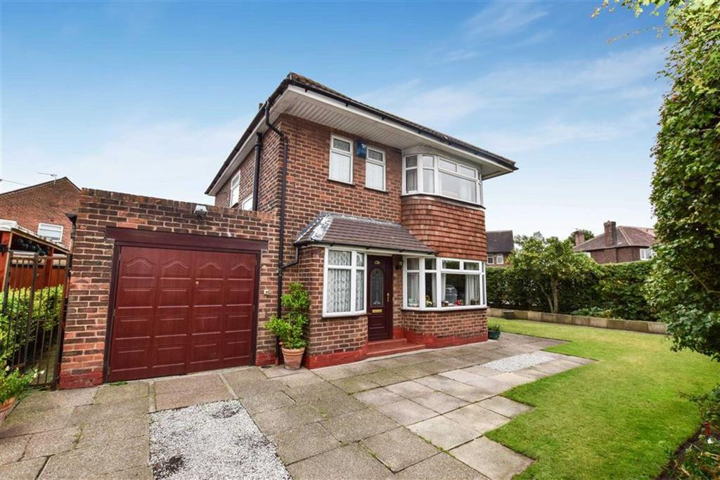 3 Bedrooms Detached House for sale in Sinderland Road, Altrincham, Cheshire, WA14