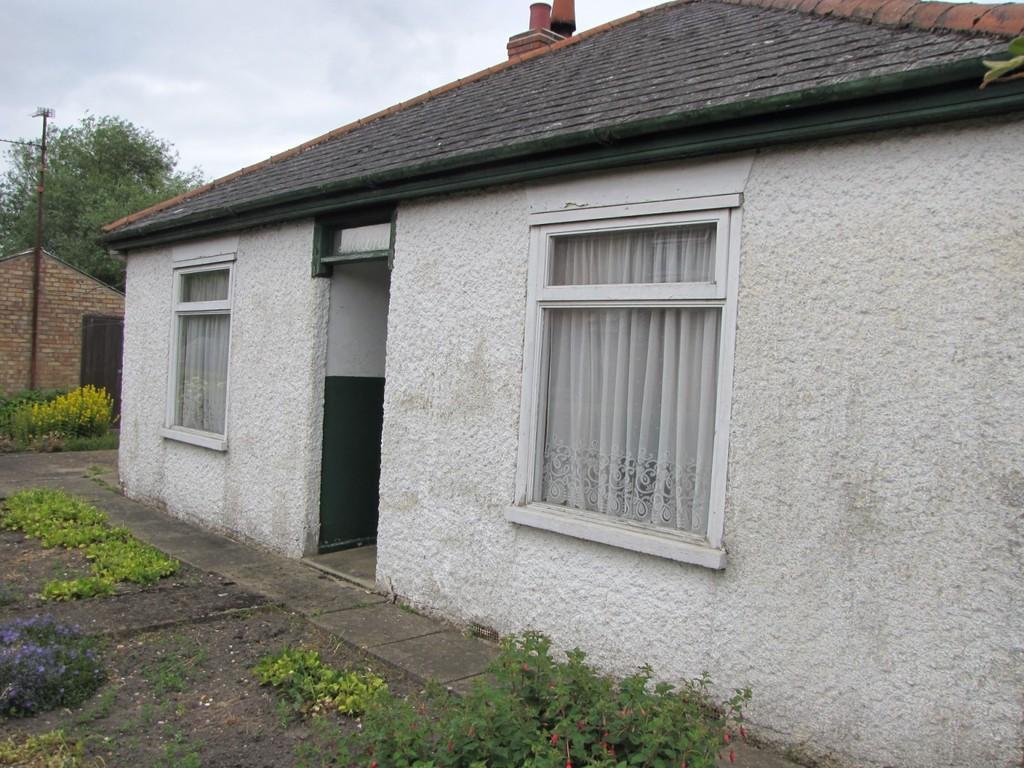 2 Bedrooms Detached Bungalow for sale in Five Alls Road, Walpole Highway