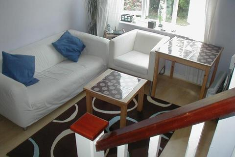 1 bedroom end of terrace house to rent - Hull Close, London, SE16