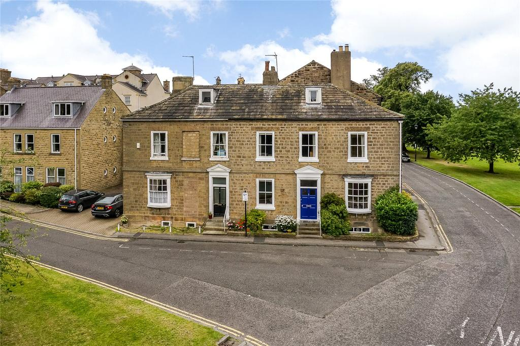 3 Bedrooms Terraced House for sale in Church Square, Harrogate, North Yorkshire