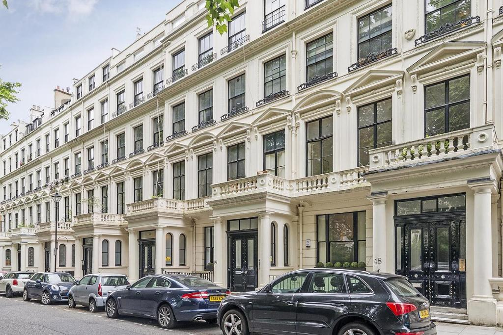 1 Bedroom Flat for sale in Cleveland Square, Bayswater