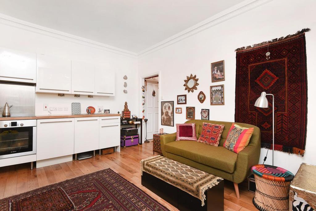 1 Bedroom Flat for sale in Adelaide Road, Belsize Park