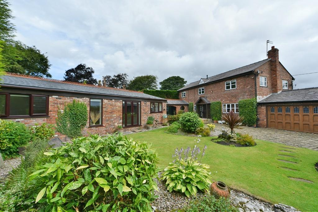 6 Bedrooms Barn Conversion Character Property for sale in Butchers Lane, Aughton