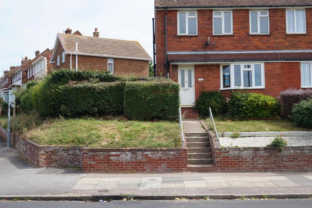 3 Bedrooms Semi Detached House for sale in Dane Valley Road, Margate, Kent, CT9 3SB