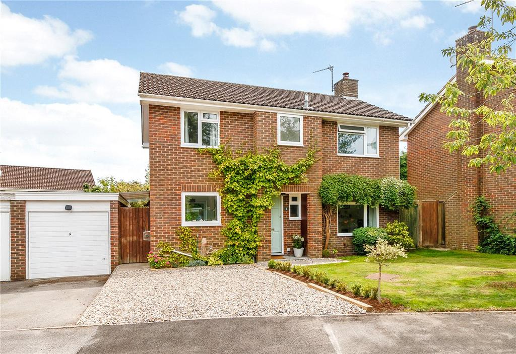 4 Bedrooms Detached House for sale in Falcon House Gardens, Woolton Hill, Newbury, RG20