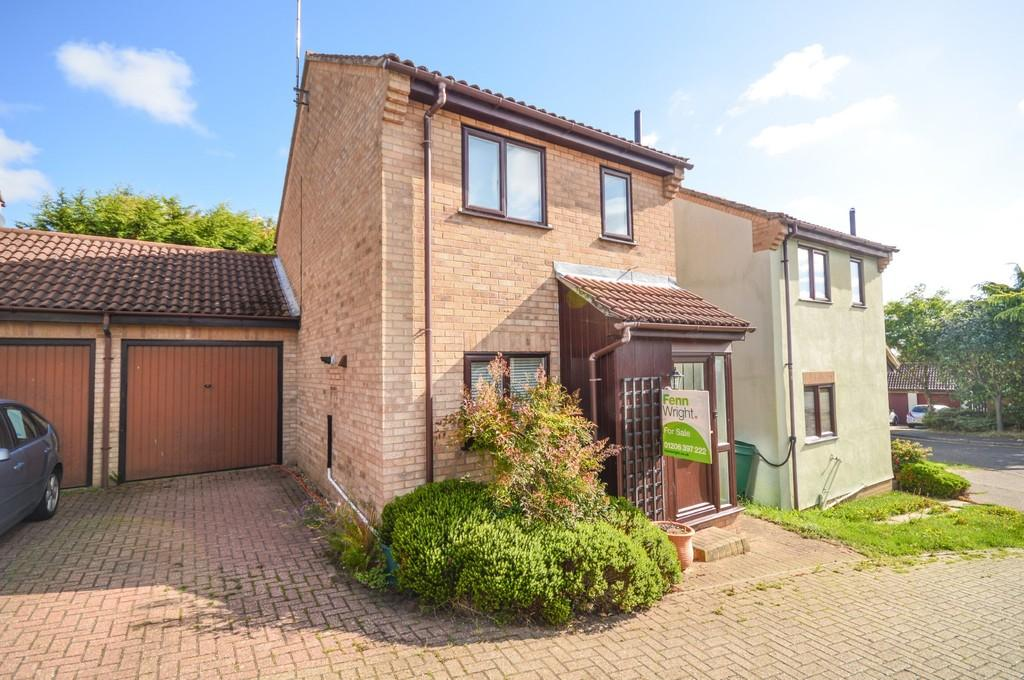 2 Bedrooms Link Detached House for sale in Gainsborough Drive, Lawford, Manningtre, CO11 2JU