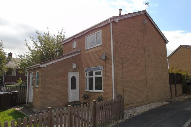 2 Bedrooms Ground Flat for sale in 29 Cloverlands Drive, Mapplewell, Barnsley, S75 6EB