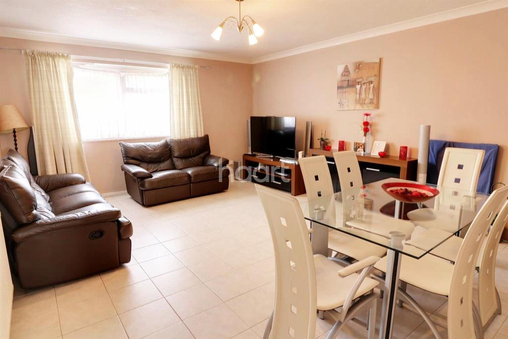 2 Bedrooms Flat for sale in Norton Road