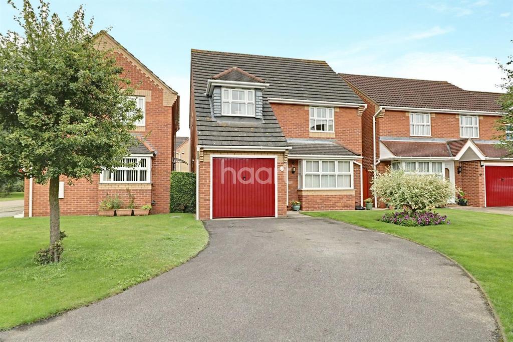 4 Bedrooms Detached House for sale in Heron Walk, North Hykeham
