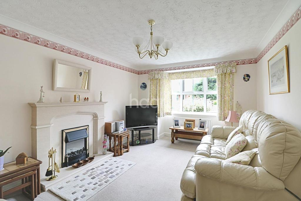4 Bedrooms Detached House for sale in Heron Walk, North Hykeham