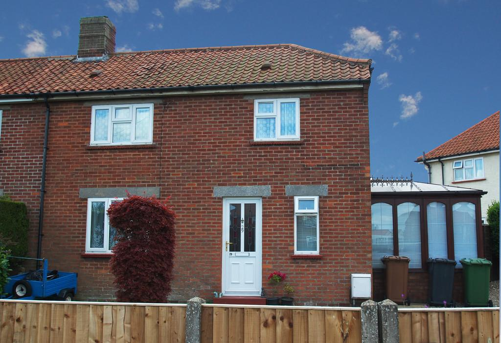 2 Bedrooms Semi Detached House for sale in Recreation Road, North Walsham