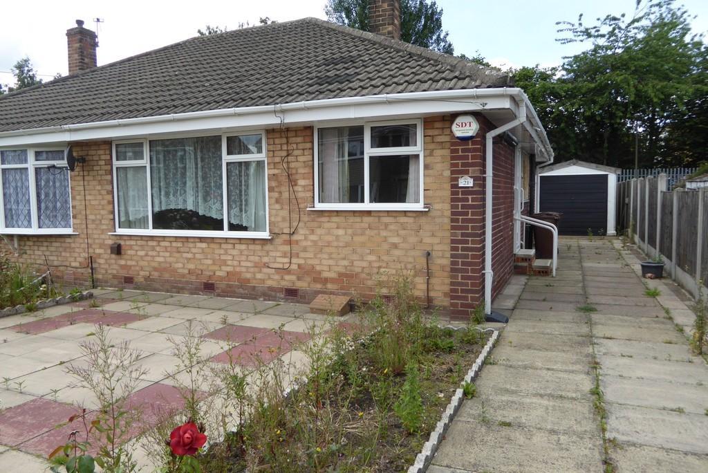 2 Bedrooms Semi Detached Bungalow for sale in Thornes Moor Close, Thornes