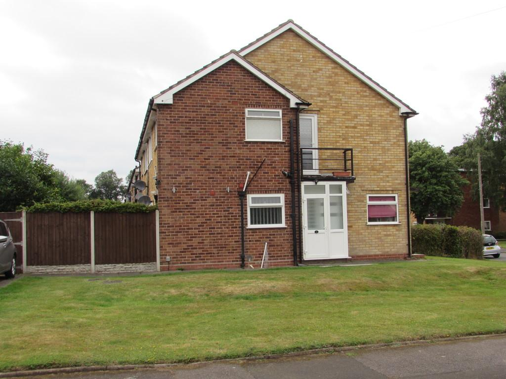 2 Bedrooms Ground Maisonette Flat for sale in Muswell Close, Solihull