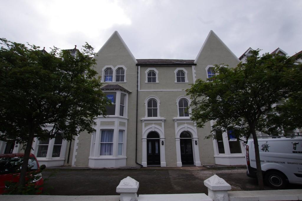 3 Bedrooms Apartment Flat for sale in Augusta Street, Llandudno