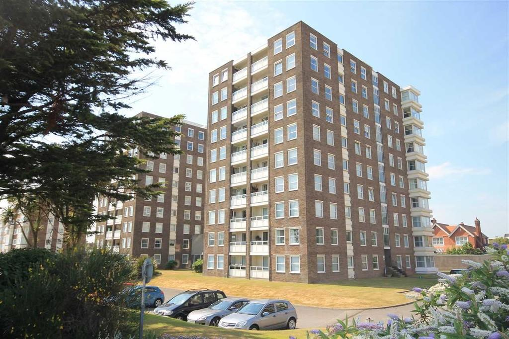 2 Bedrooms Apartment Flat for sale in West Parade, Worthing BN11 3QT