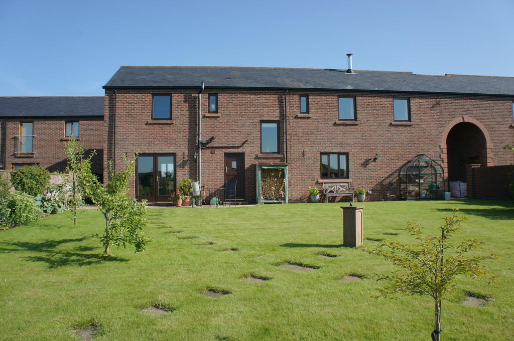 4 Bedrooms Link Detached House for sale in St. Peters Court, Kirkbampton