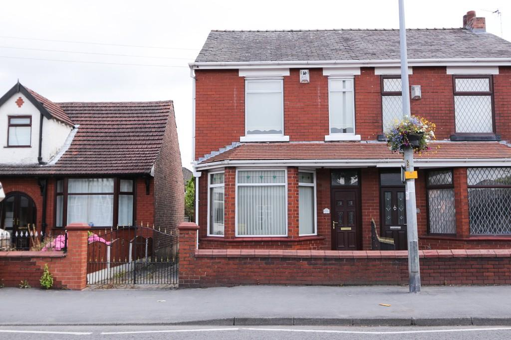 3 Bedrooms Semi Detached House for sale in 231 Liverpool Road Irlam