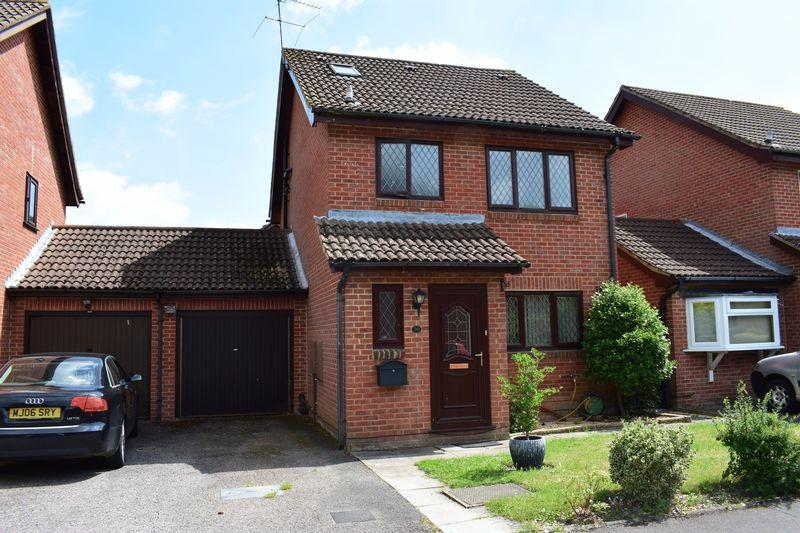 4 Bedrooms Detached House for sale in Roundhouse Drive, Southampton