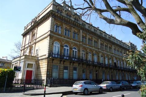 3 bedroom flat to rent - Clifton, Victoria Square, BS8 4ES