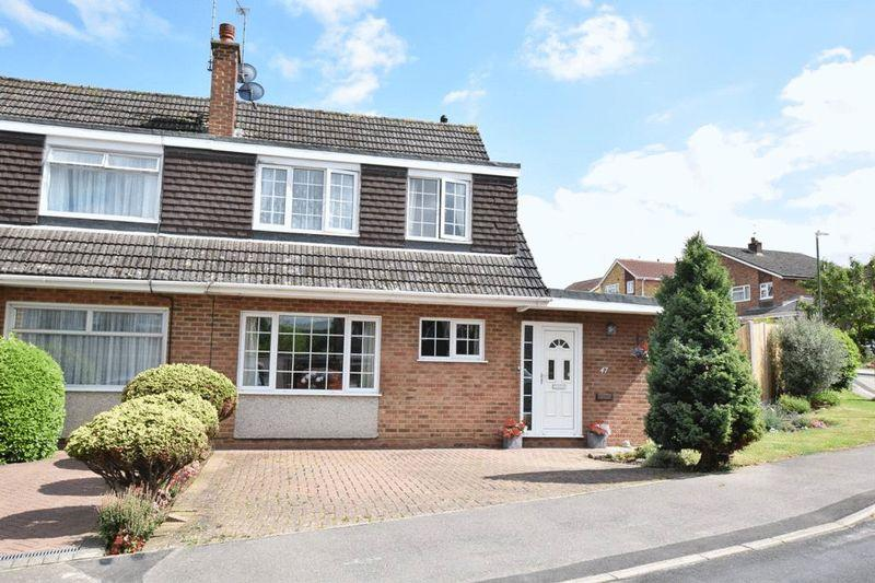 3 Bedrooms Semi Detached House for sale in Hill Brow, Bearsted