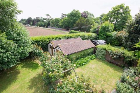 5 bedroom detached house for sale - Worth