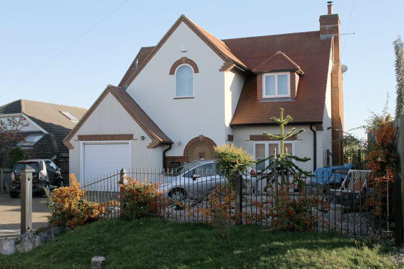 3 Bedrooms Detached House for sale in St Margaret's Bay