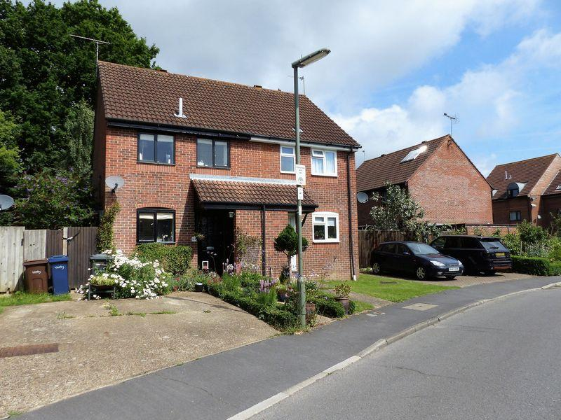 2 Bedrooms Semi Detached House for sale in sherrydon,
