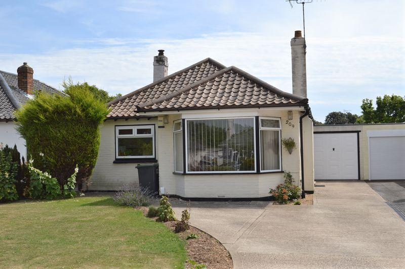 2 Bedrooms Detached Bungalow for sale in GORING WAY