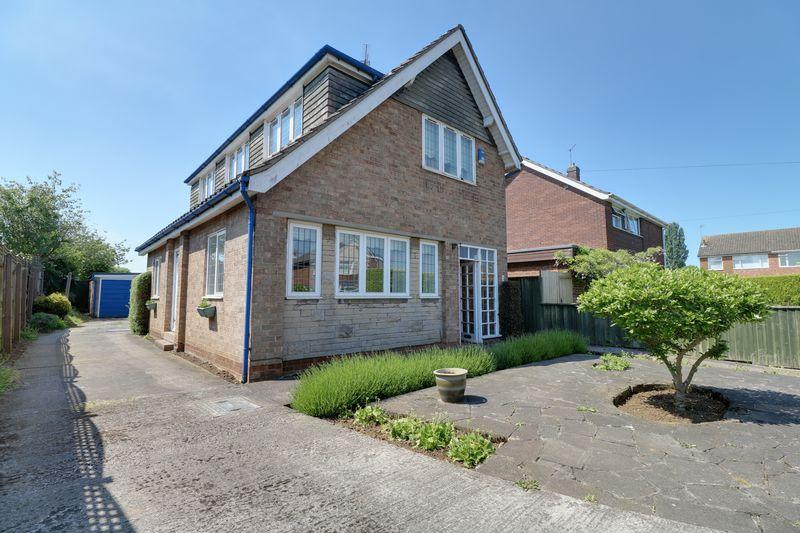 3 Bedrooms Detached House for sale in Crossbeck Road, Scunthorpe