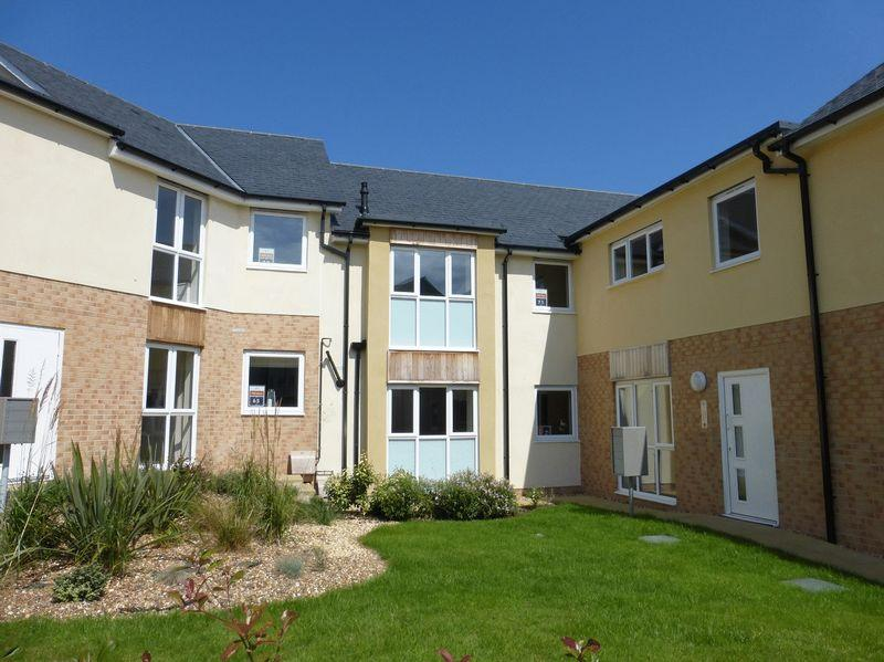 2 Bedrooms Apartment Flat for sale in Bangor