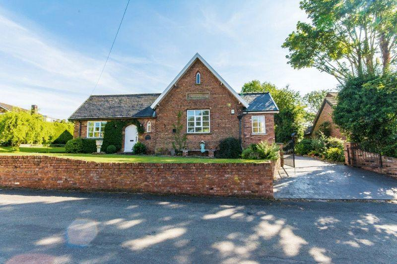 3 Bedrooms Detached House for sale in West End, Winteringham, DN15