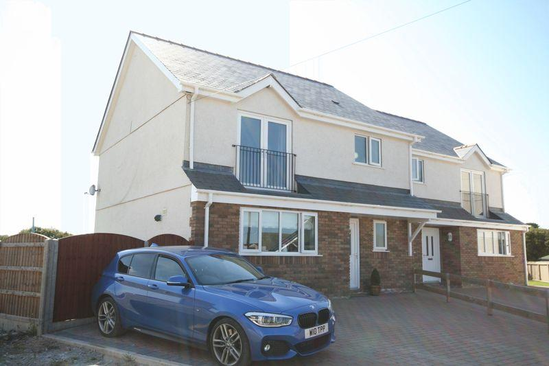 3 Bedrooms Semi Detached House for sale in Llangristiolus, Anglesey