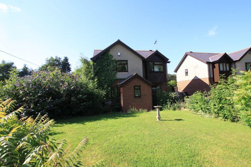 3 Bedrooms Detached House for sale in Bethesda, Gwynedd