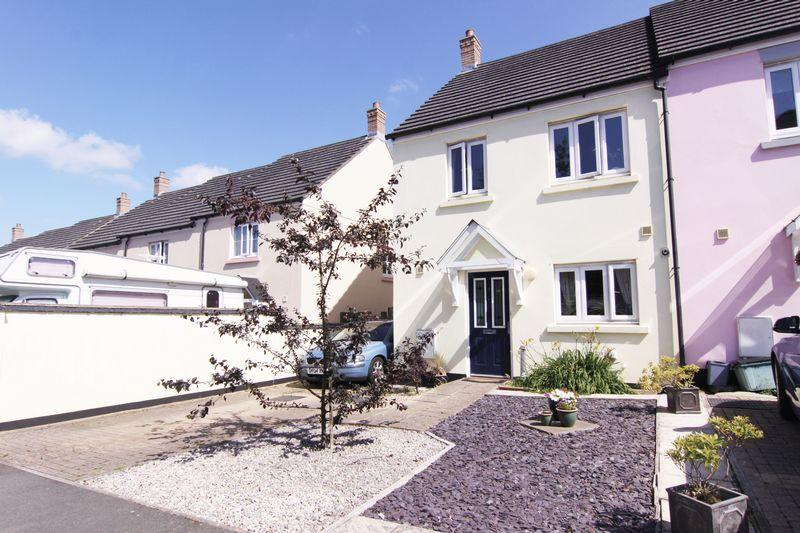 3 Bedrooms Semi Detached House for sale in Oldham Road, Okehampton