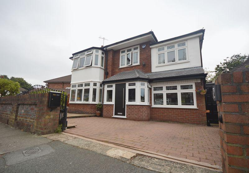 4 Bedrooms Detached House for sale in Fawley Road, Calderstone