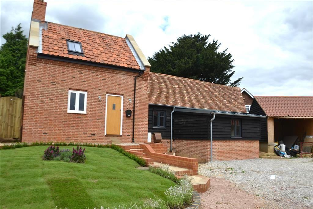 3 Bedrooms Barn Conversion Character Property for sale in St Johns Road, Moggerhanger, MK44