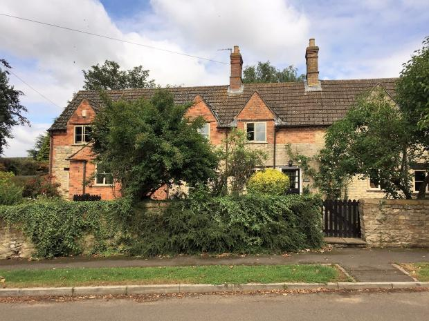 4 Bedrooms Cottage House for sale in Mistletoe Cottage Main Street, Saltby, LE14