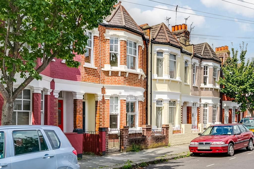 3 Bedrooms Terraced House for sale in Petley Road, Hammersmith, London