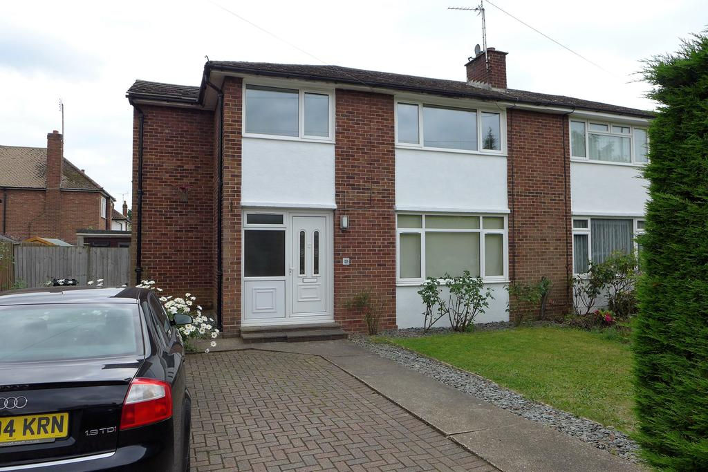 4 Bedrooms Semi Detached House for sale in Portland Crescent, Feltham