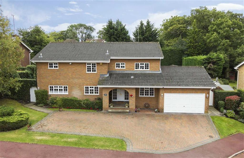 5 Bedrooms House for sale in Coombehurst Close, Hadley Wood, Herts