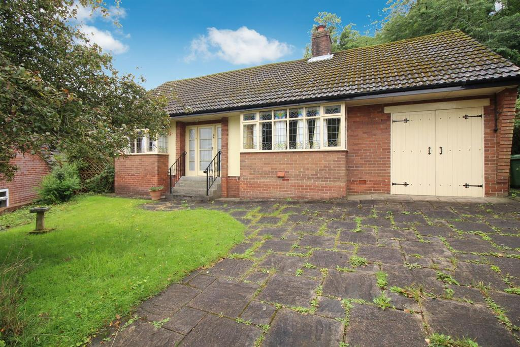 2 Bedrooms Detached Bungalow for sale in Clavering Way, Blaydon-On-Tyne