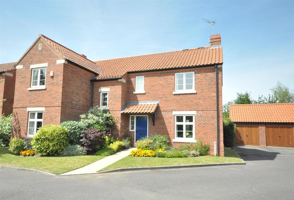 4 Bedrooms Detached House for sale in Hazelas Drive, Gunthorpe, Nottingham